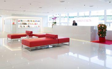 Christie's Hong Kong Sale Achieves US$2.55m Per Carat For 8.01 Carat Necklace by Moussaieff