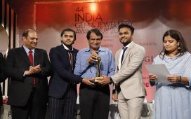 Hari Krishna Group wins accolade at 44thGJEPC awards