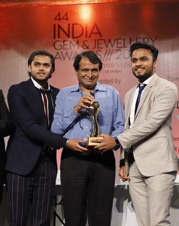 Hari Krishna Group wins accolade at 44thGJEPC awards