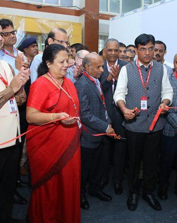 Tremendous Response at 1st carats-Surat Diamond Expo