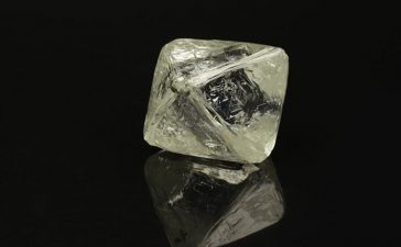 ALROSA Sells Large Rough Diamonds in New York For $7.9 Mln