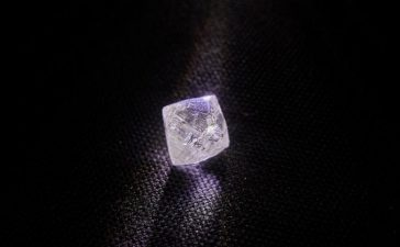 ALROSA's Verkhne-Munskoye Deposit Gives New Large Gem-Quality Diamond